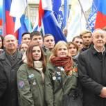 Партийцы и сторонники «Единой России» приняли участие в митинг-концерте в Саратове