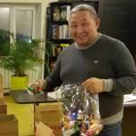 Депутат-единоросс готовит новогодние подарки маленьким якутянам