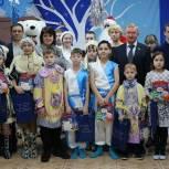 Владимир Гришин поздравил воспитанников Васильевского детского дома с наступающим Новым годом