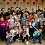 Максим Малахов помог организовать детский праздник в Третьем микрорайоне