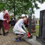Партийцы Корочанского района приняли участие в открытии  девяти мемориальных плит
