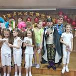 При поддержке единороссов в Королёве состоялась премьера спектакля «Зубные защитники против кариозных монстров»