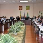 """Депутаты-""""единороссы"""" обсудили вопросы предстоящей сессии"""