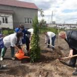 Партийцы Рязанского района благоустроили территорию нового детского сада