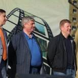 """Костромские единороссы приветствовали участников и гостей фестиваля """"Чухломская пуговка"""""""