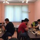 Партийцы Западного округа организовали турнир «Шахматы в каждый двор»