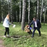 Дмитровские партийцы проверили качество уборки территории парков
