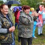 На празднике в Приозерном работали выездные партийные приемные
