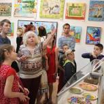 Реутовские партийцы организовали музейную выставку для детей