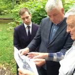 Тарас Ефимов обсудил с ветеранами микрорайона Заря благоустройство Аллеи Героев Советского Союза в Балашихе