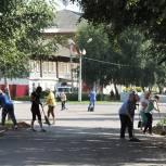 Кадомские единороссы вышли на субботник в районном центре