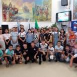 День Государственного флага отметили в Кизляре