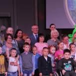 Сергей Усачёв пожелал сыктывкарским школьникам хороших отметок, а родителям - терпения в новом учебном году