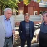 Леонид Писной указал подрядчику на дефекты ремонта коммуникаций в центре Саратова