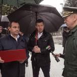 Игорь Брынцалов проверил ход работ по благоустройству сквера в мкр. Южный Балашихи