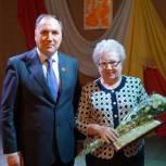 Депутаты «Единой России» чествуют пенсионеров в городах и районах края