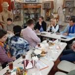 В Лобне депутаты фракции «Единая Россия» отвечали на вопросы жителей более двух часов