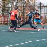 В рамках «Детского спорта» партийцы проконтролировали модернизацию спортплощадки в Голицыно