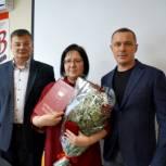 Сергей Романов вручил почетную грамоту тюменскому фельдшеру