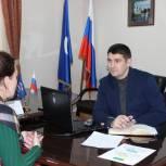 Югорчане получили юридическую помощь по решению жилищных вопросов в приемной Партии