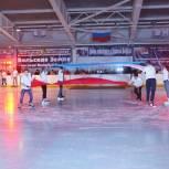 Вольские партийцы организовали спортивный «Марафон на льду» для студентов