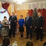 С наступающими праздниками воспитанников детдома села Розовка поздравил Игорь Николаев