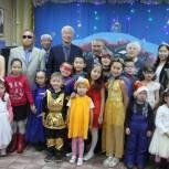 Кан-оол Даваа посетил с новогодними подарками утренник для слабовидящих детей