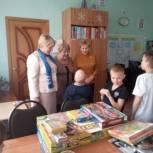 В Чучковском районе детям передали новогодние подарки