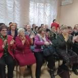 В рамках партпроекта в Ленинском районе прошло новогоднее театрализованное представление