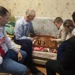 Анатолий Чиканчи поздравил с наступающим Новым годом ветерана Великой Отечественной войны Никона Кондратьевича Хатанзейского