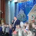 Лидеры единороссов Сараевского и Кадомского районов поздравили детей с Новым годом