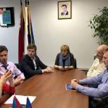 Ирина Слуцкая обсудила с партийцами Черноголовки проблемы больницы и спорткомплекса