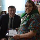 Труженицу тыла из Усть-Цилемского района поздравили с 90-летием