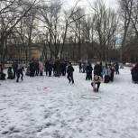 Школьники Ленинского района в честь Дня защитника Отечества сыграли в «Зарницу»