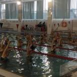 """Танцам в воде обучают озёрских пенсионеров в ходе реализации партпроекта """"Единая страна - доступная среда"""""""