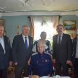 Жителю поселка Захарово вручили благодарственное письмо секретаря Генсовета «Единой России»
