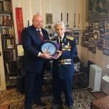 Андрей Красов поздравил ветерана Великой Отечественной войны