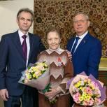 В Лыткарино секретарь местного отделения Партии Евгений Серёгин поздравил с юбилеем ветерана войны