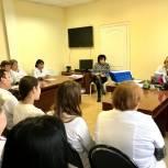 Василий Максимов обсудил Послание Президента и поправки в Конституцию с алгайскими медиками