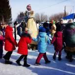 Единороссы Тогучина приняли участие в праздничной ярмарке