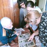 Волонтеры навестили ветерана войны в Ленинском районе Саратова