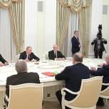 Путин отметил вклад «Единой России» в работу над поправками к Конституции