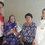 Петровские партийцы продолжают вручать юбилейные награды труженикам тыла