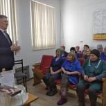 Секретарь Кожевниковского местного отделения партии поздравил сельских тружениц