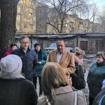 Депутат гордумы встретился с жителями аварийного дома в Ленинском районе