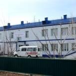Вячеслав Логинов вручил ключи от квартир молодым сельским специалистам