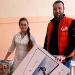 Местный житель передал телевизор для детского отделения Светленской больницы