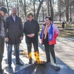 Лариса Лазутина и Дмитрий Голубков проверили состояние воинских мемориалов в Звенигороде