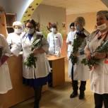Озёрские единороссы провели акцию в поддержку медиков