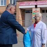Александр Жукаев передал детской поликлинике средства индивидуальной защиты